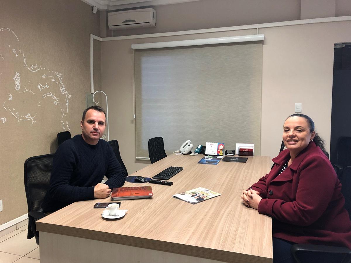 Reunião com o diretor da revista AZ Imóveis